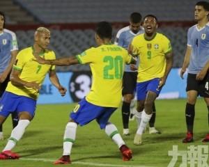 巴西排「烏」4戰全勝居首