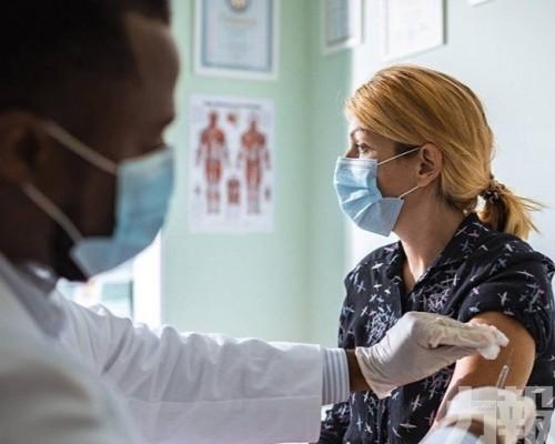 俄羅斯開始大規模接種新冠疫苗