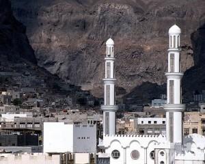 也門亞丁機場傳出爆炸聲及槍聲