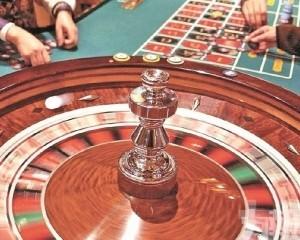 一同賭博險被騙財七萬