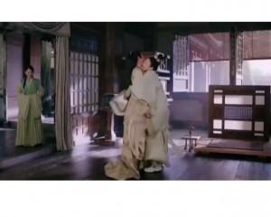 章子怡古裝劇驚現波鞋?!
