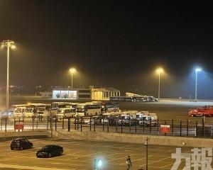 逾百海外居民分兩班航班今晚抵澳