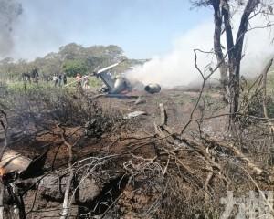 墨西哥軍用飛機墜毀六死