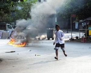 多家在緬中資工廠被燒