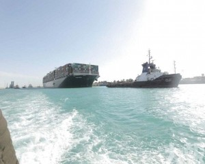 蘇彝士運河等候貨輪將於周五前全部通過