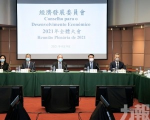 賀一誠:本地經濟正在逐步恢復