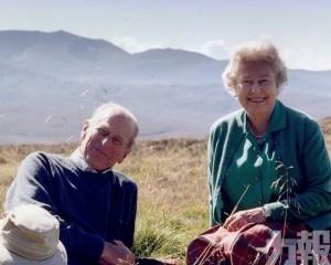 王室發布英女皇夫婦最愛合照