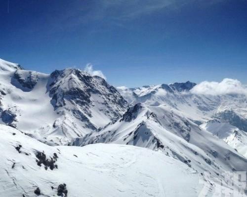 法國阿爾卑斯山區接連發生雪崩