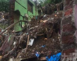 印度孟買因大雨發生事故