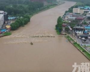 萬餘人受災 22座橋樑被毀