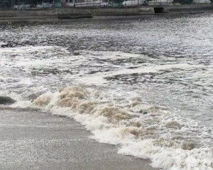 海事局籲泳客勿下水