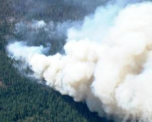 美國北加州山火燒毀一小鎮
