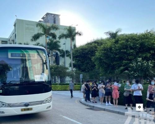 民防中心提供免費穿梭巴士疏導人流