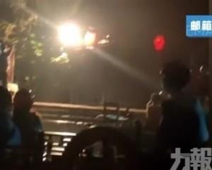 景區:堵車致擁堵 當晚已疏散