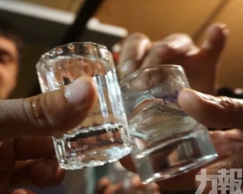 俄羅斯18人飲假酒後中毒身亡