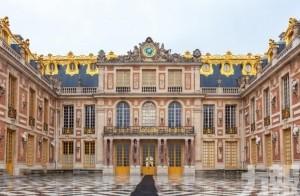 全球首間宮廷酒店Le Grand Contrôle