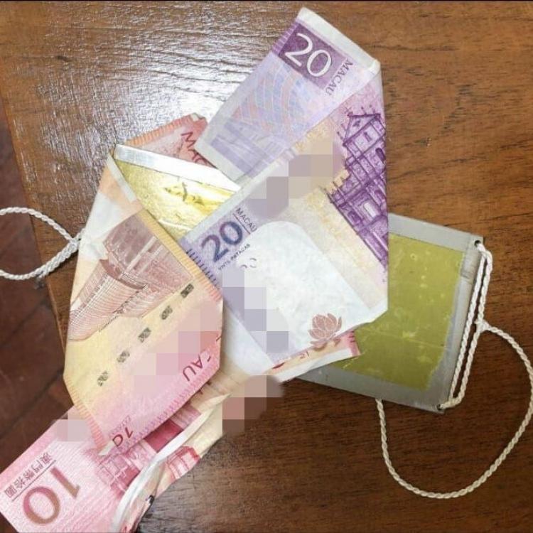 內地男用膠紙偷教堂捐款