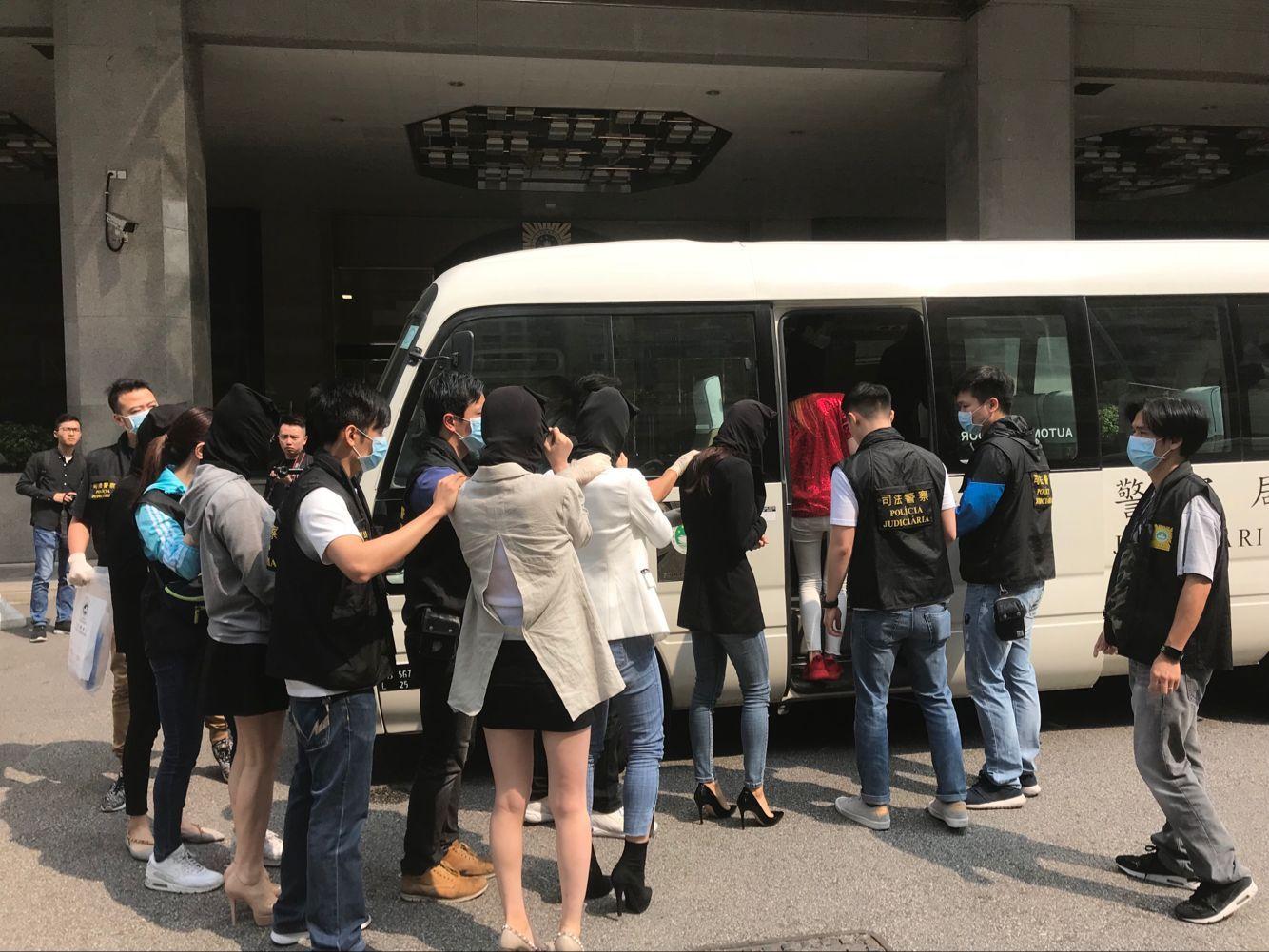 司警拘24名中韓國籍人士