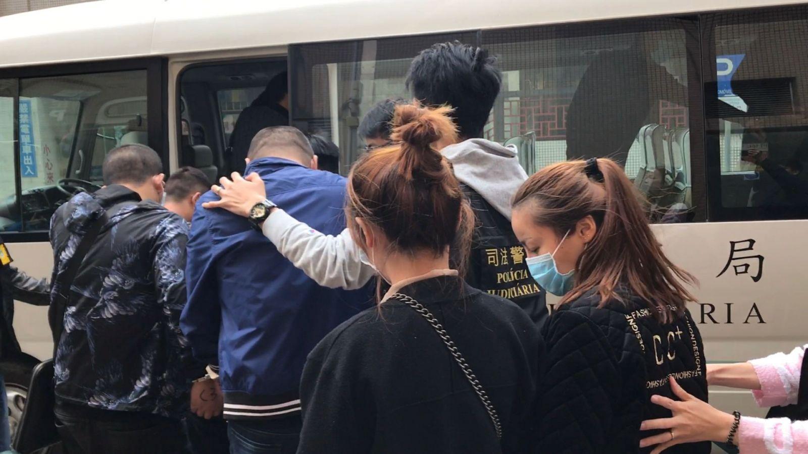 司警拘捕23名涉案內地男女